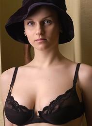 Intrigue^the Life Erotic Erotic Sexy Hot Ero Girl Free